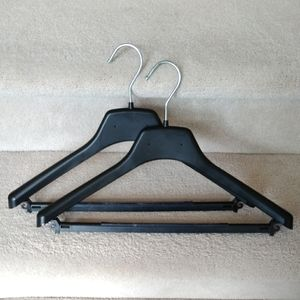 8 hangers